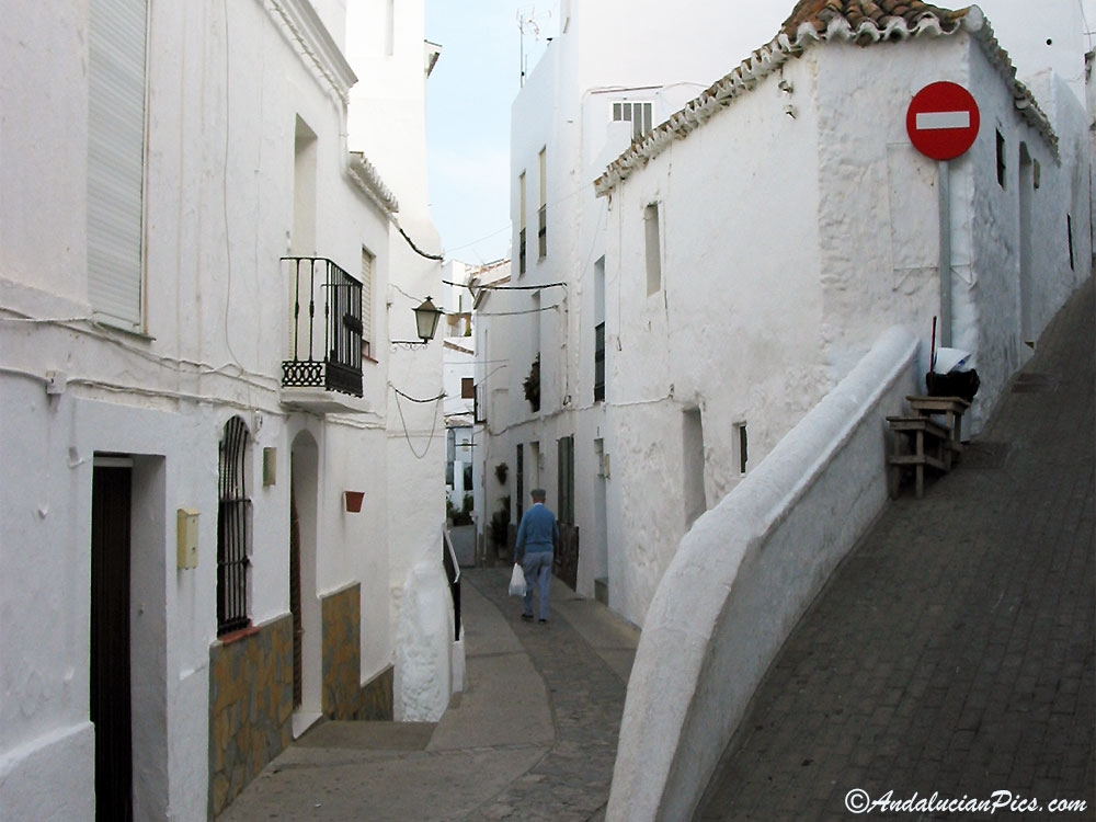 Casares narrow streets