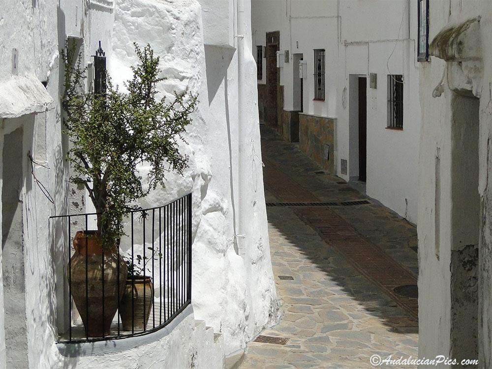 Casarés narrow streets
