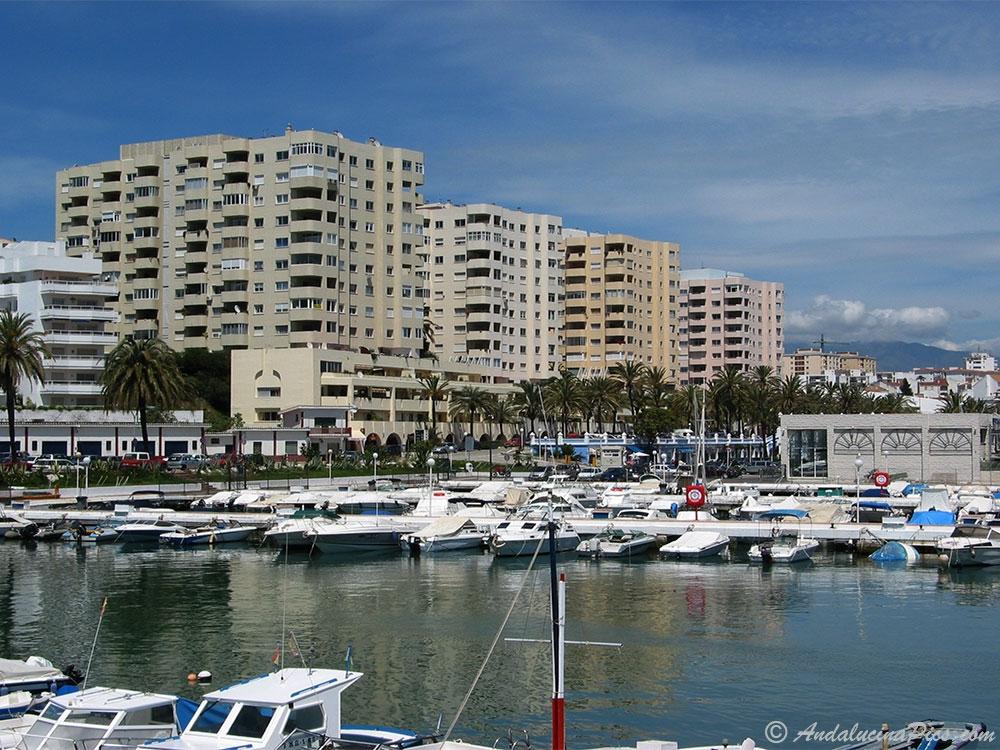 General view of the Marina Estepona