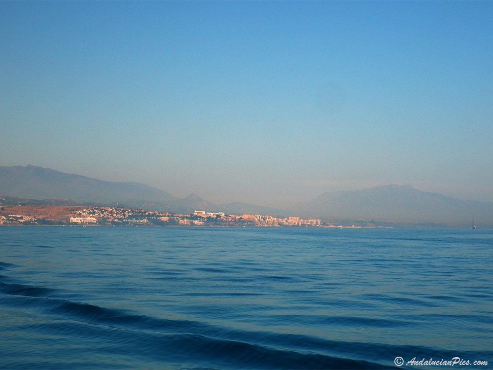 Estepona depuis la Mer